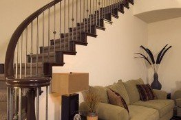 Customized curved stairway